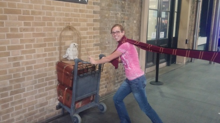 Last stop of the night..we HAD to go see Platform 9 and 3/4, as any TRUE Harry Potter fan would!